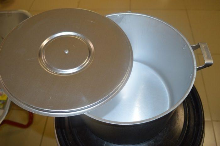 Бабушкин способ отдраить алюминиевую посуду, после которого она будет сиять как новая