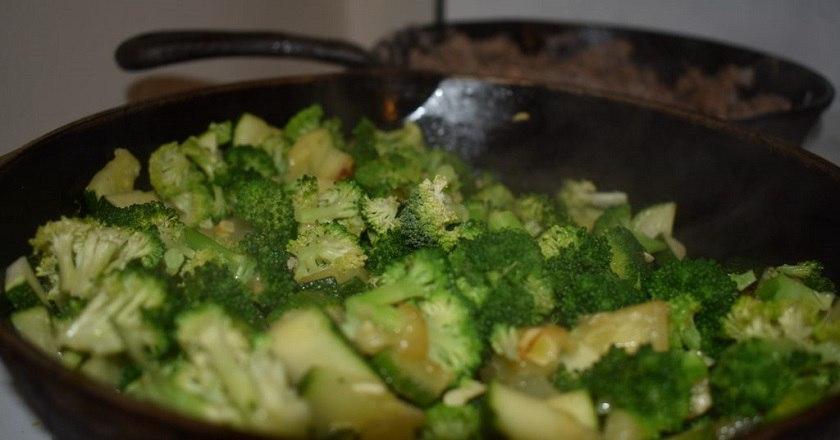 Подруга угостила потрясающим блюдом… Теперь готовлю брокколи только так!