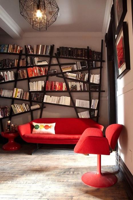 28 идей, как вдохнуть новую жизнь в привычный интерьер с помощью крутых полок