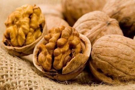 Грецкий орех поможет коже