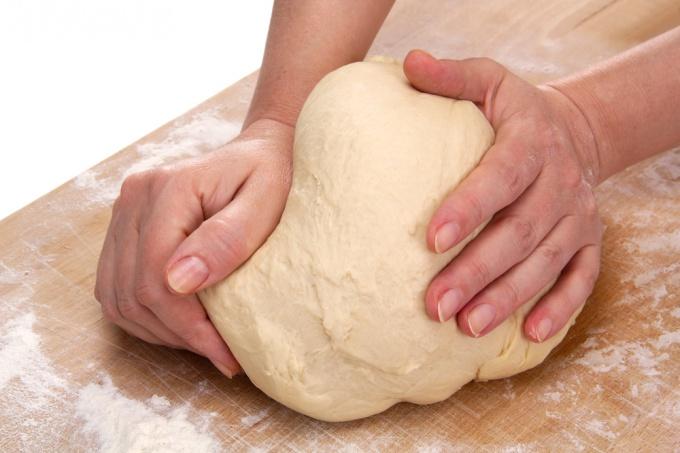 Дрожжевое тесто для лентяев: 15 минут — и готово