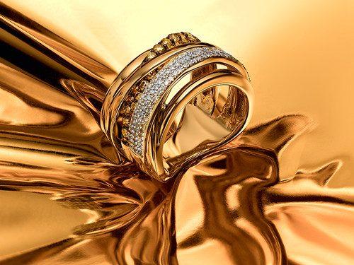 Кому не стоит носить золотые украшения