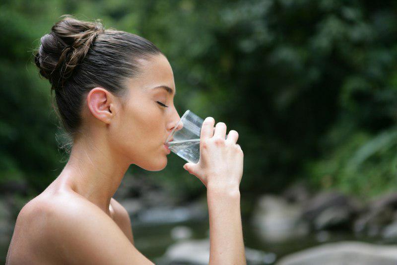 Жую семя льна натощак и запиваю водой (до завтрака).
