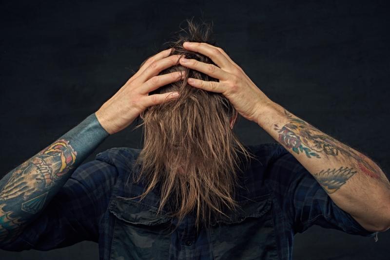 Хочешь отрастить длинную густую шевелюру, но волосы бегут с твоей головы?