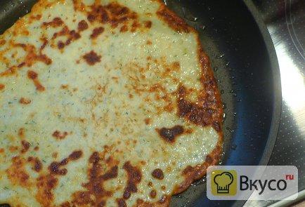 Блинчики на молоке с сыром и зеленью