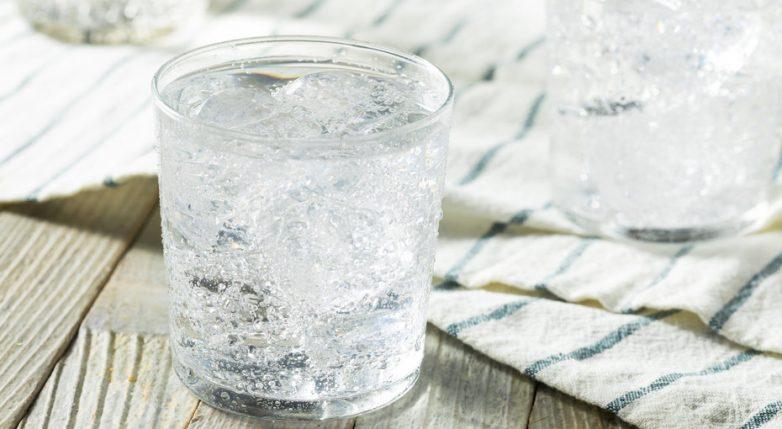 Секреты быстрой уборки с газированной водой