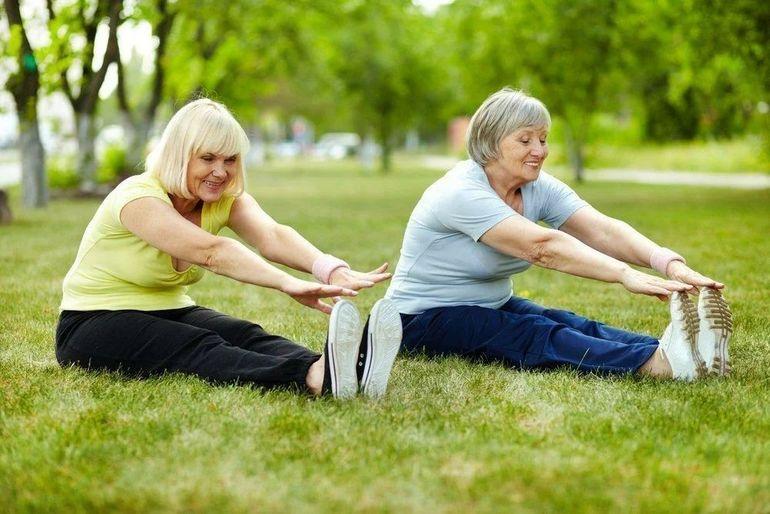 Несложные упражнения для похудения после 60 лет