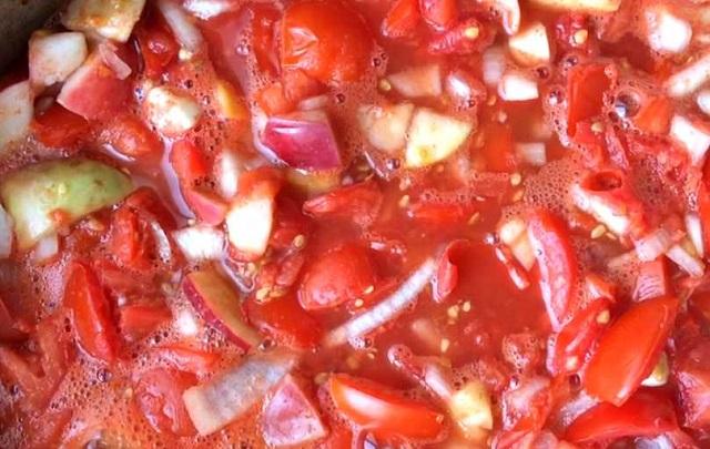 Кетчуп из помидор на зиму — пальчики оближешь!