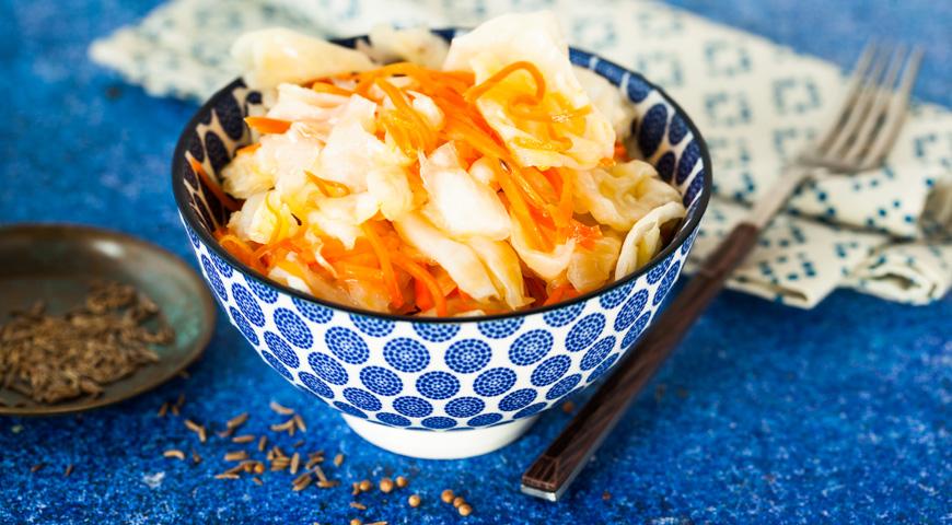 7 рецептов хрустящей маринованной капусты на зиму в банках: быстрого приготовления, со свеклой, чесноком, болгарским перцем