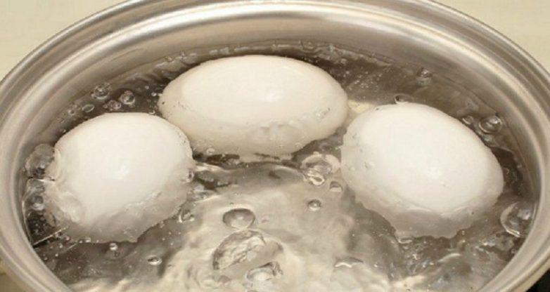 Как при помощи вареного яйца снизить уровень сахара в крови?