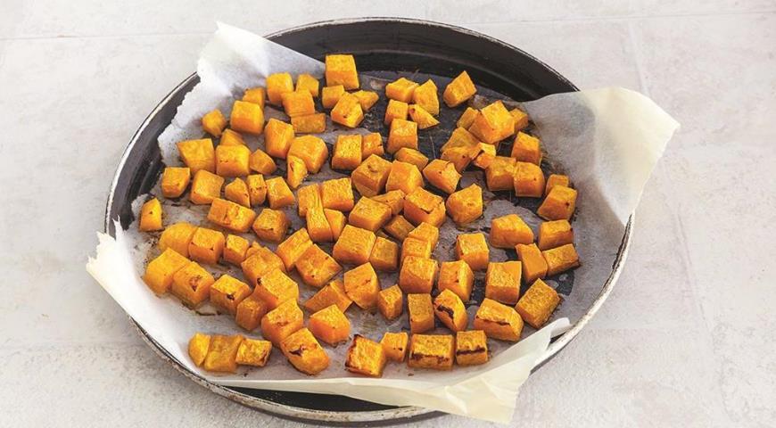 Ячневая каша с печеной тыквой и клюквой