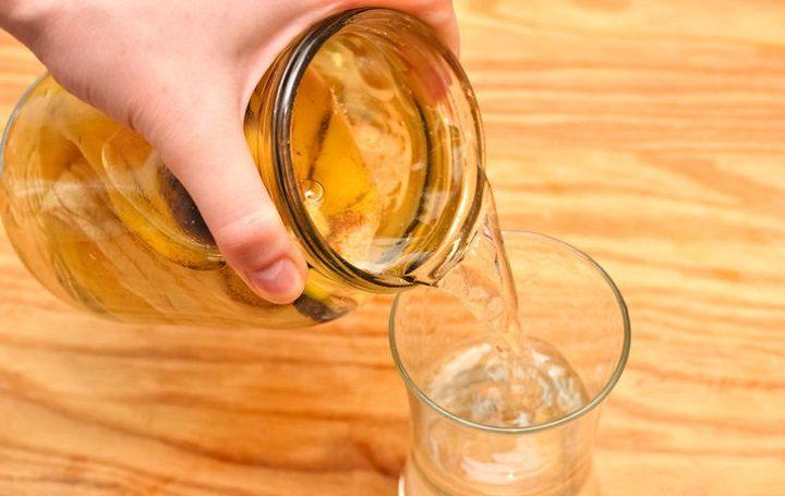 Если залить банановую кожуру водой, она способна творить чудеса!