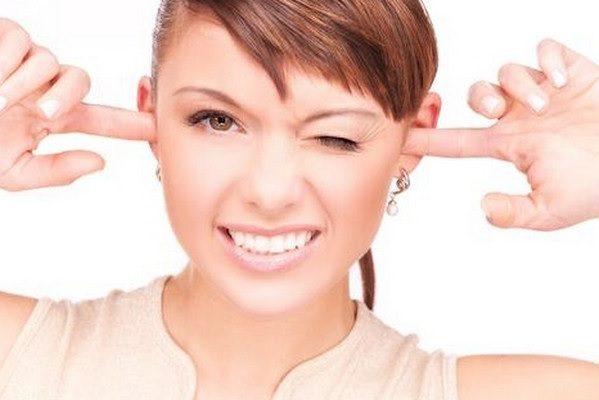 Как избавиться от серных пробок в ушах в домашних условиях