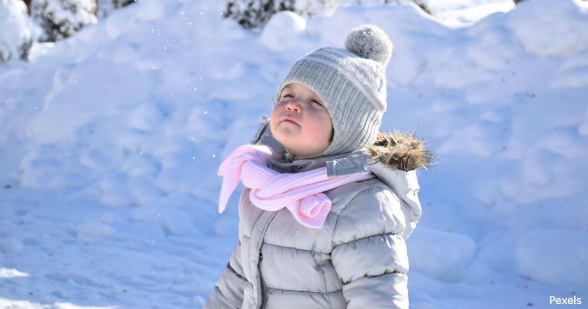 Никто не болеет от холода! Дети должны гулять на улице, особенно зимой