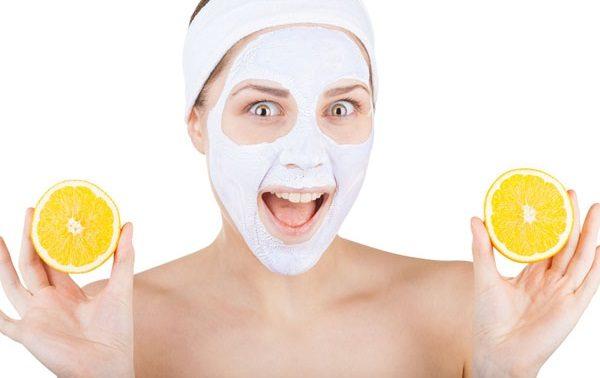 Лучшие домашние маски, которые разглаживают кожу век