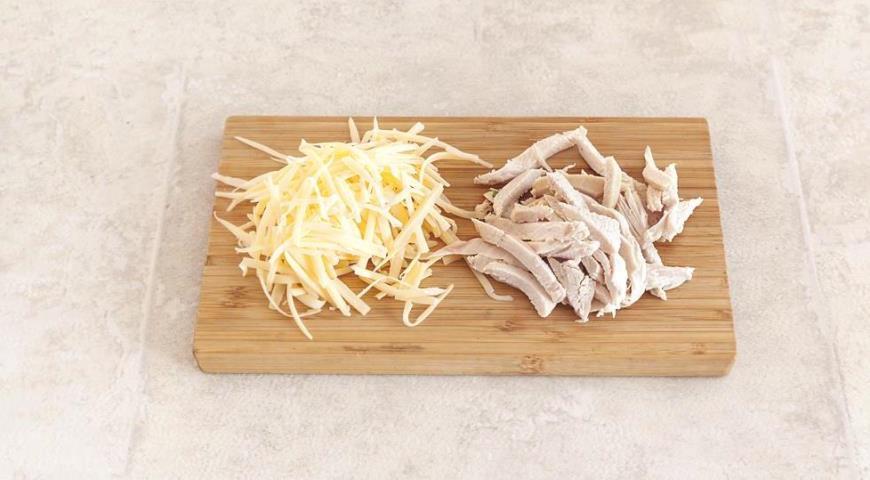 Роллы из лаваша с сыром и курицей