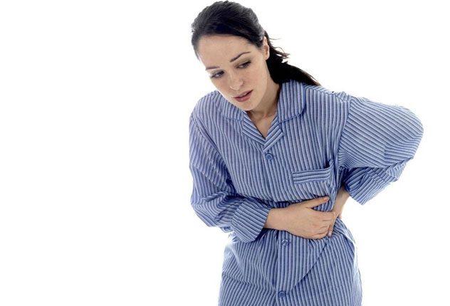 Почему болит в боку под ребрами