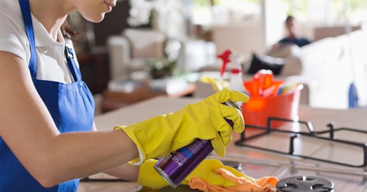 Почему уборка заставляет некоторых людей чувствовать себя менее тревожно