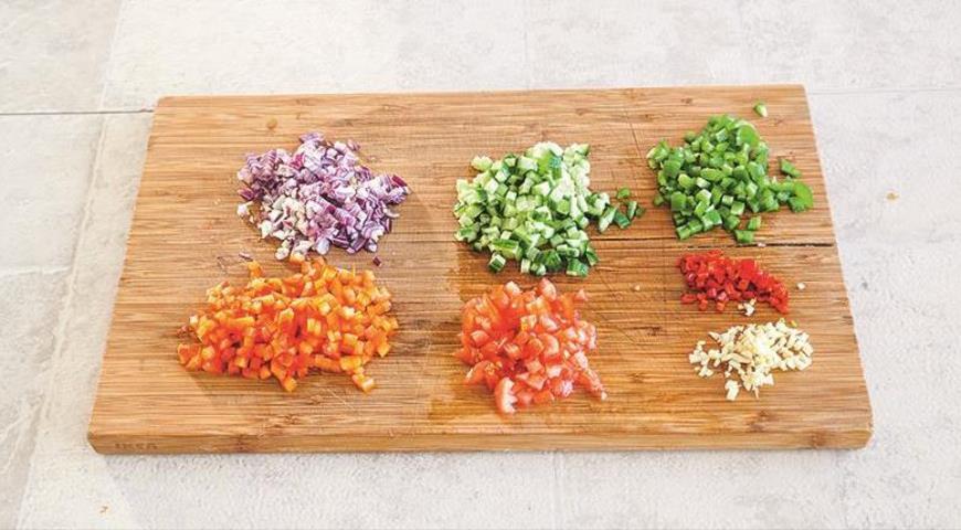 Кесадильи с томатной сальсой