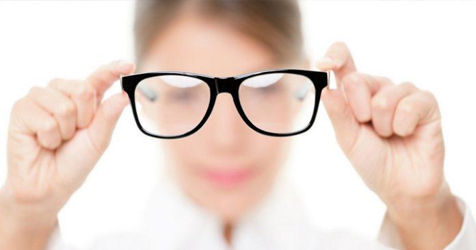 Корень причины, по которой падает зрение, находится в кишечнике